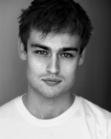 Douglas Booth pic #900456