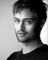 Douglas Booth pic #900455