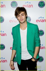 Douglas Booth pic #505200