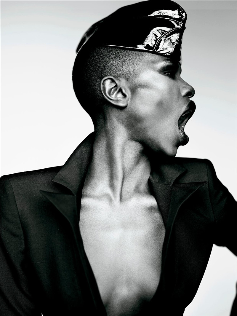 Grace Jones Photo 21 Of 35 Pics Wallpaper Photo 302373 Theplace2