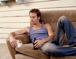Guy Pearce pic #246354