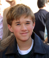 Haley Joel Osment pic #182498