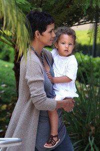 Halle Berry pic #256519