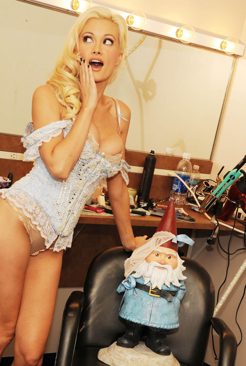 Holly Madison Pic 230010