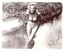 Honor Blackman pic #363113