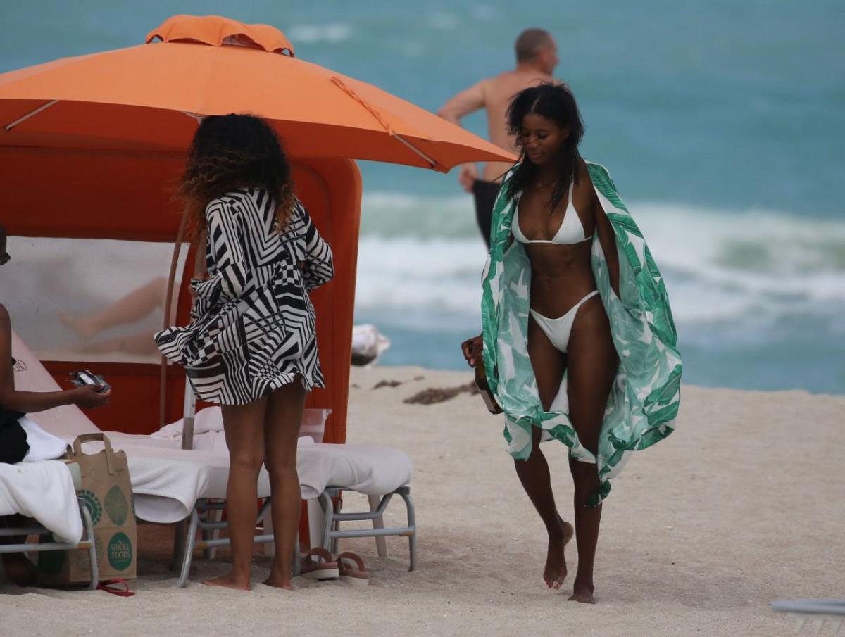 Jazzma Kendrick Nude Photos 79