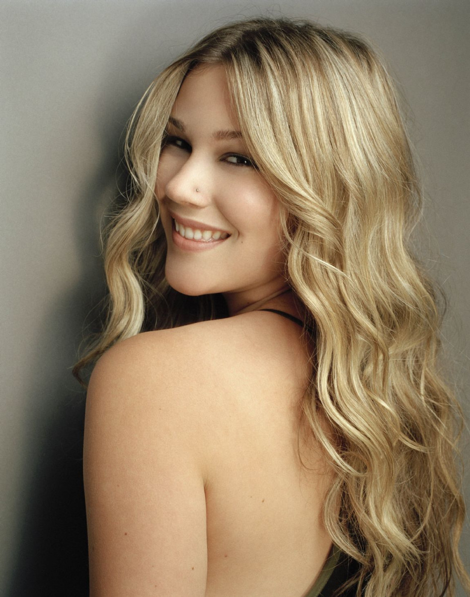 Joss Stone - Performing at CarFest North in Cheshire