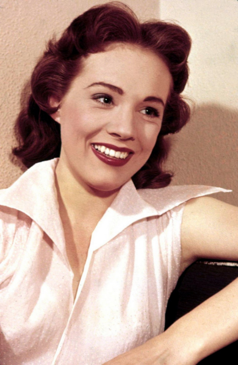 Julie Andrews: pic #233162