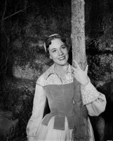 Julie Andrews pic #357990