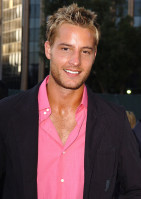 Justin Hartley pic #136832