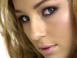 Keeley Hazell photo #