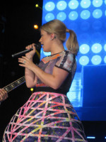 Kelly Clarkson pic #665940