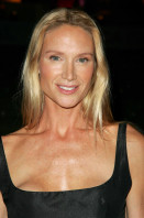 Kelly Lynch pic #147582