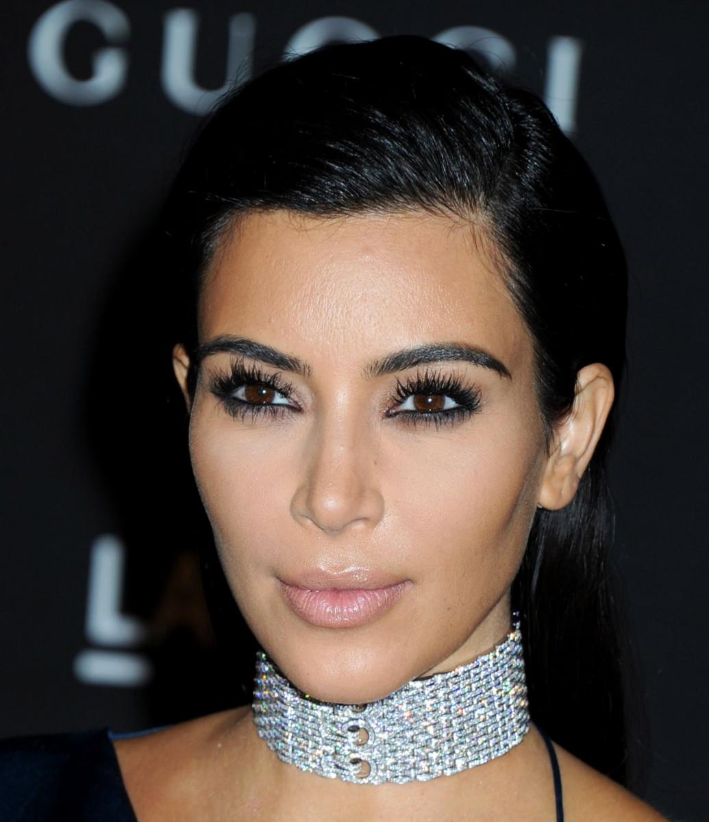 kim_kardashian_at_2014_lacma_art_film_gala_in_los_angeles_9-gthumb-gwdata1200-ghdata1200-gfitdatamax.jpg