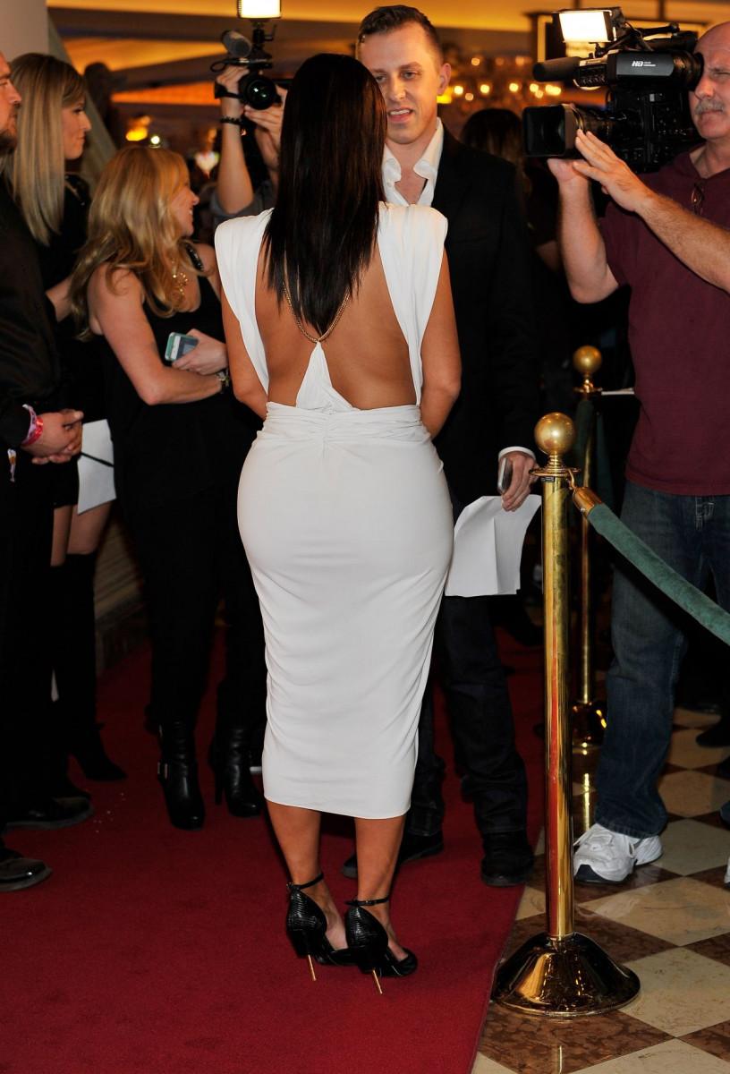 kim_kardashian_at_her_birthday_party_at_tao_nightclub_in_las_vegas_3-gthumb-gwdata1200-ghdata1200-gfitdatamax.jpg