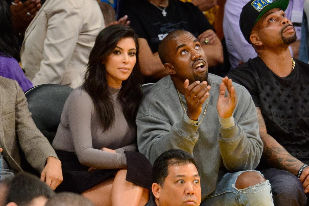 kim_kardashian_lakers_game_photos_(7)-gthumb-gwdata1200-ghdata1200-gfitdatamax.jpg