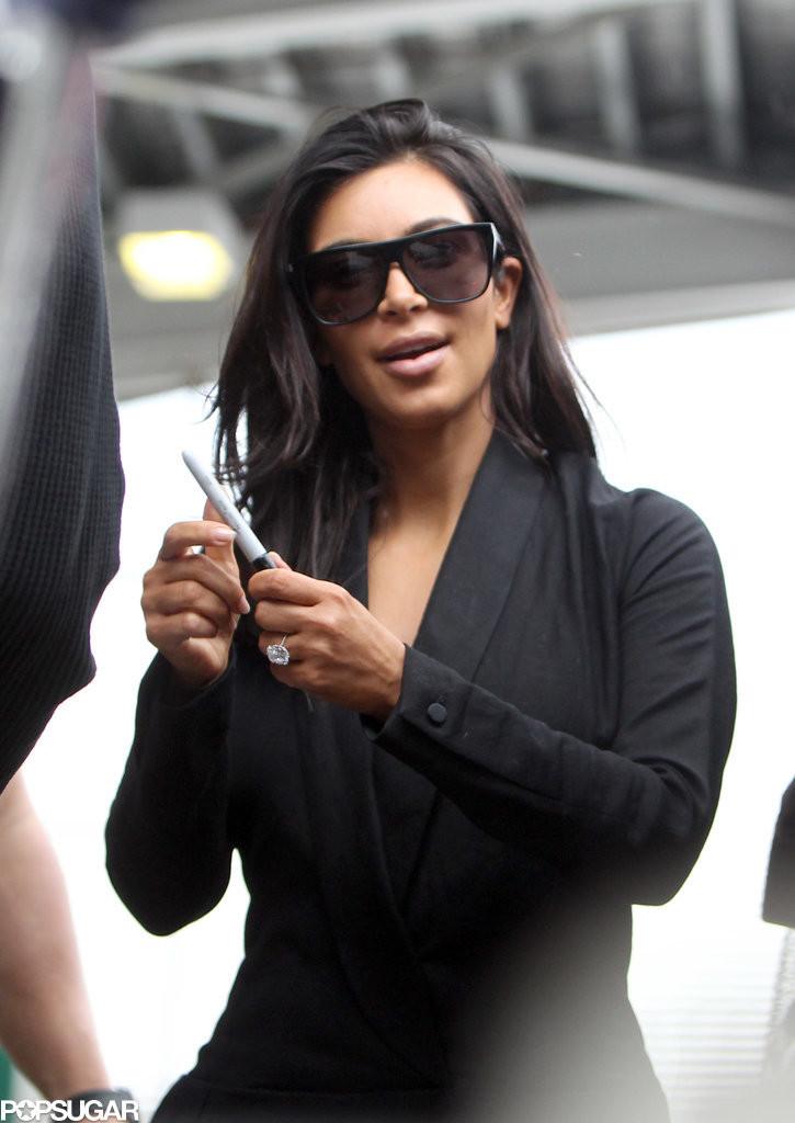 kim_kardashian_touched_down_sydney_australia_sunday-gthumb-gwdata1200-ghdata1200-gfitdatamax.jpg