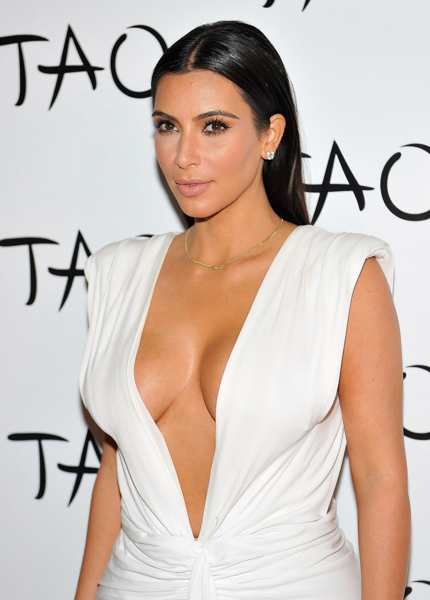 kim_kardashian_vegas_birthday_party_2014_pictures-gthumb-gwdata1200-ghdata1200-gfitdatamax.jpg