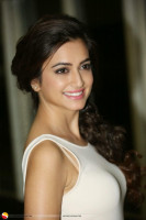 Kriti Kharbanda photo #