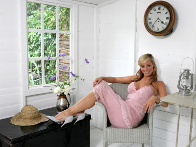photo 5 in Liz McClarnon gallery [id497608] 2012-06-09