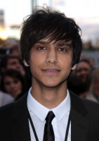 photo 11 in Luke Pasqualino gallery [id363714] 2011-03-31