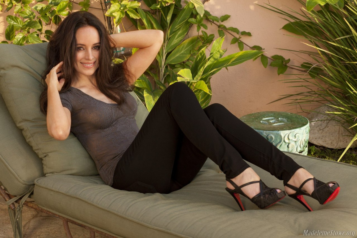 Feet madeleine stowe What is