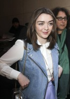 Maisie Williams pic #709384