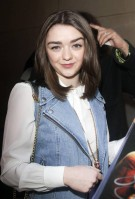 Maisie Williams pic #709391