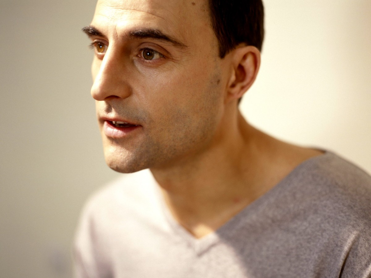 Mark Strong: pic #239183