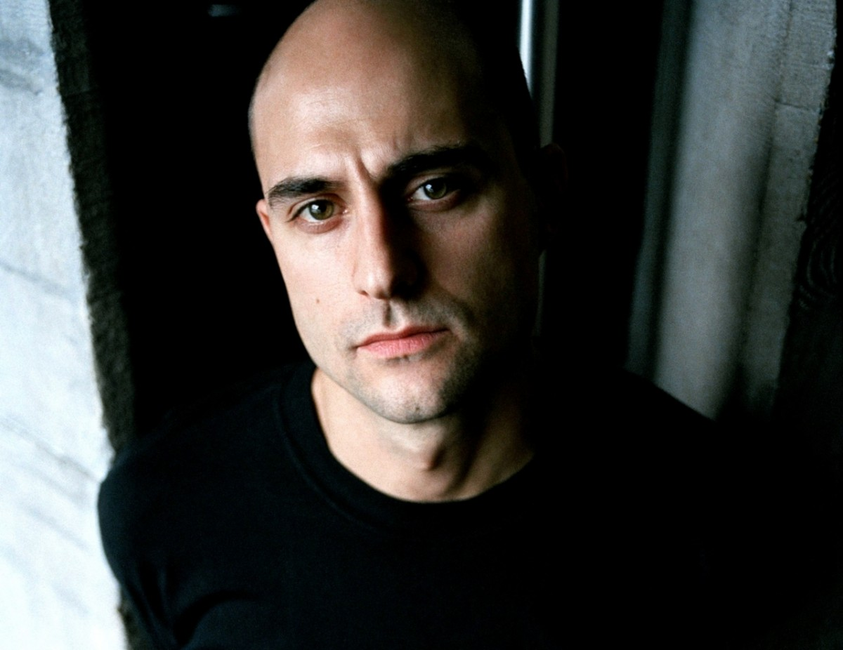 Mark Strong: pic #437079
