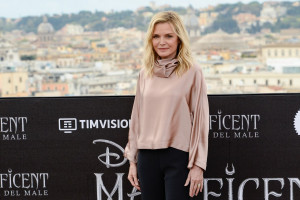 photo 4 in Michelle Pfeiffer gallery [id1183302] 2019-10-09
