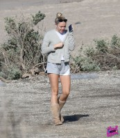 Miley Cyrus pic #1021118