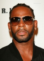 photo 5 in R. Kelly gallery [id109528] 2008-09-22