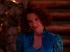 Robyn Lively pic #972285