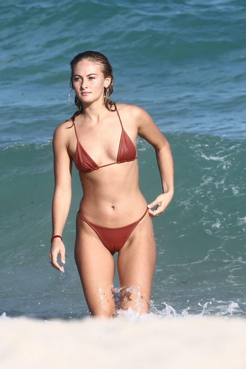 Selena Weber Nude Photos 15