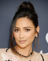 photo 18 in Shay Mitchell gallery [id1229679] 2020-08-28