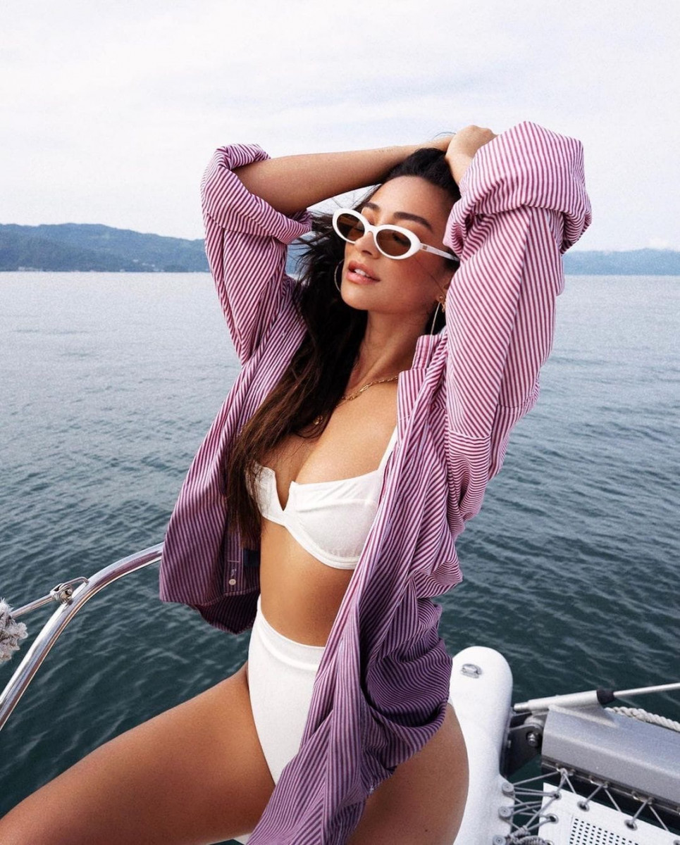 Shay Mitchell: pic #1248620