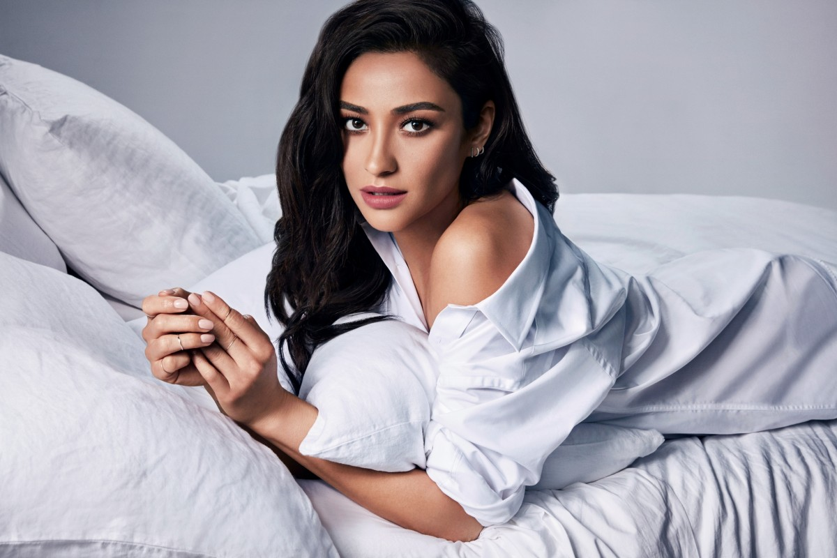 Shay Mitchell: pic #1057294