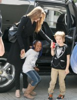 photo 9 in Shiloh Nouvel Jolie-Pitt gallery [id460790] 2012-03-16