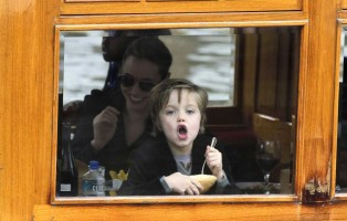 photo 12 in Shiloh Nouvel Jolie-Pitt gallery [id460787] 2012-03-16