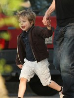 photo 18 in Shiloh Nouvel Jolie-Pitt gallery [id317518] 2010-12-23