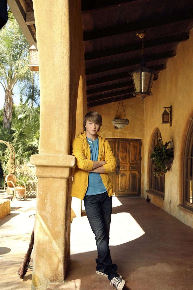 Sterling Knight: pic #405973