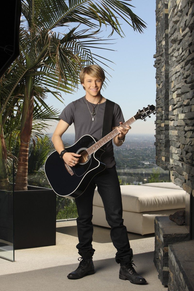 Sterling Knight: pic #470489