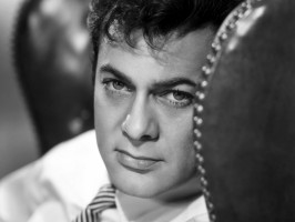 Tony Curtis pic #242644