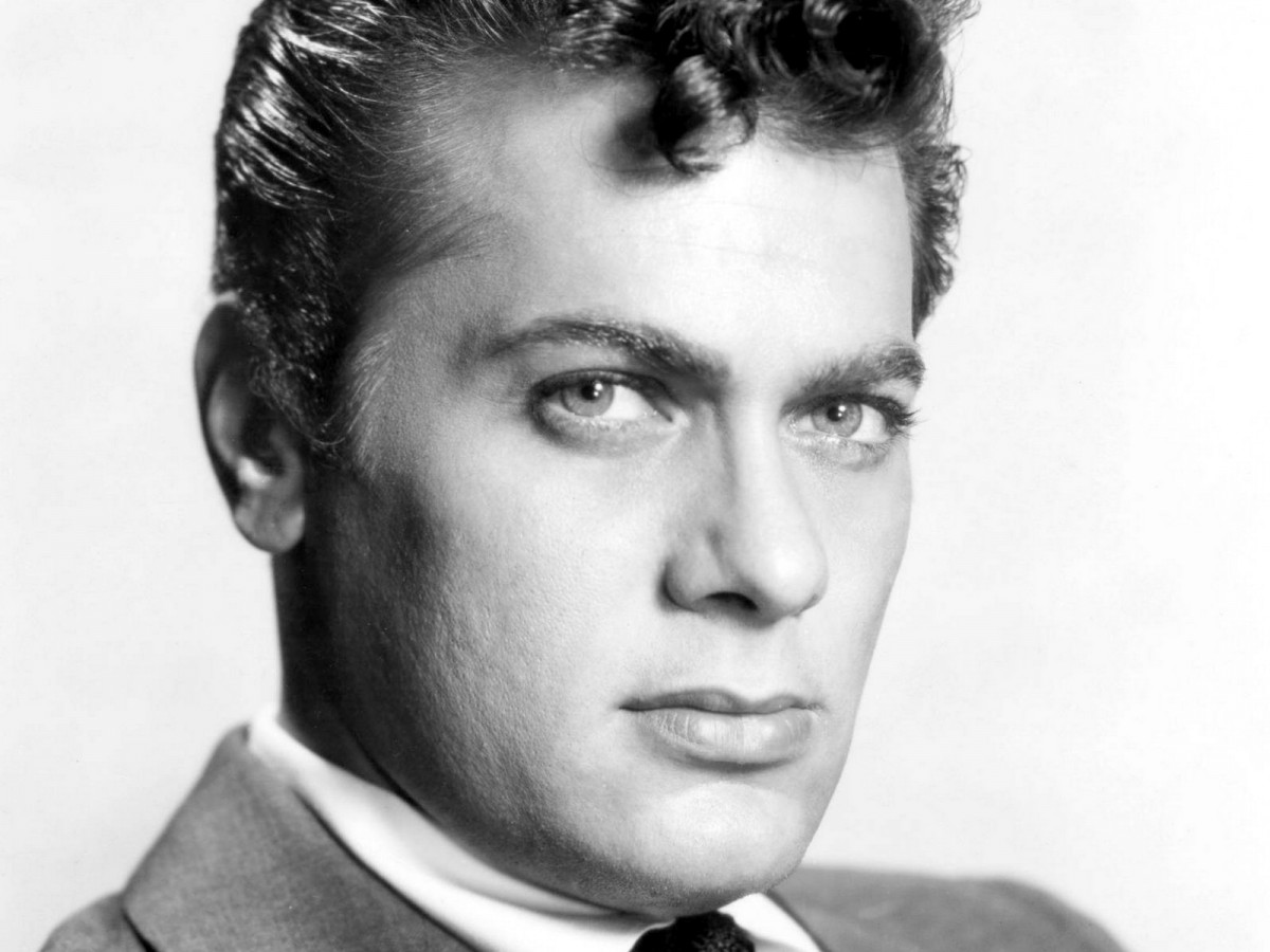 Tony Curtis: pic #241475