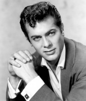 Tony Curtis pic #244511