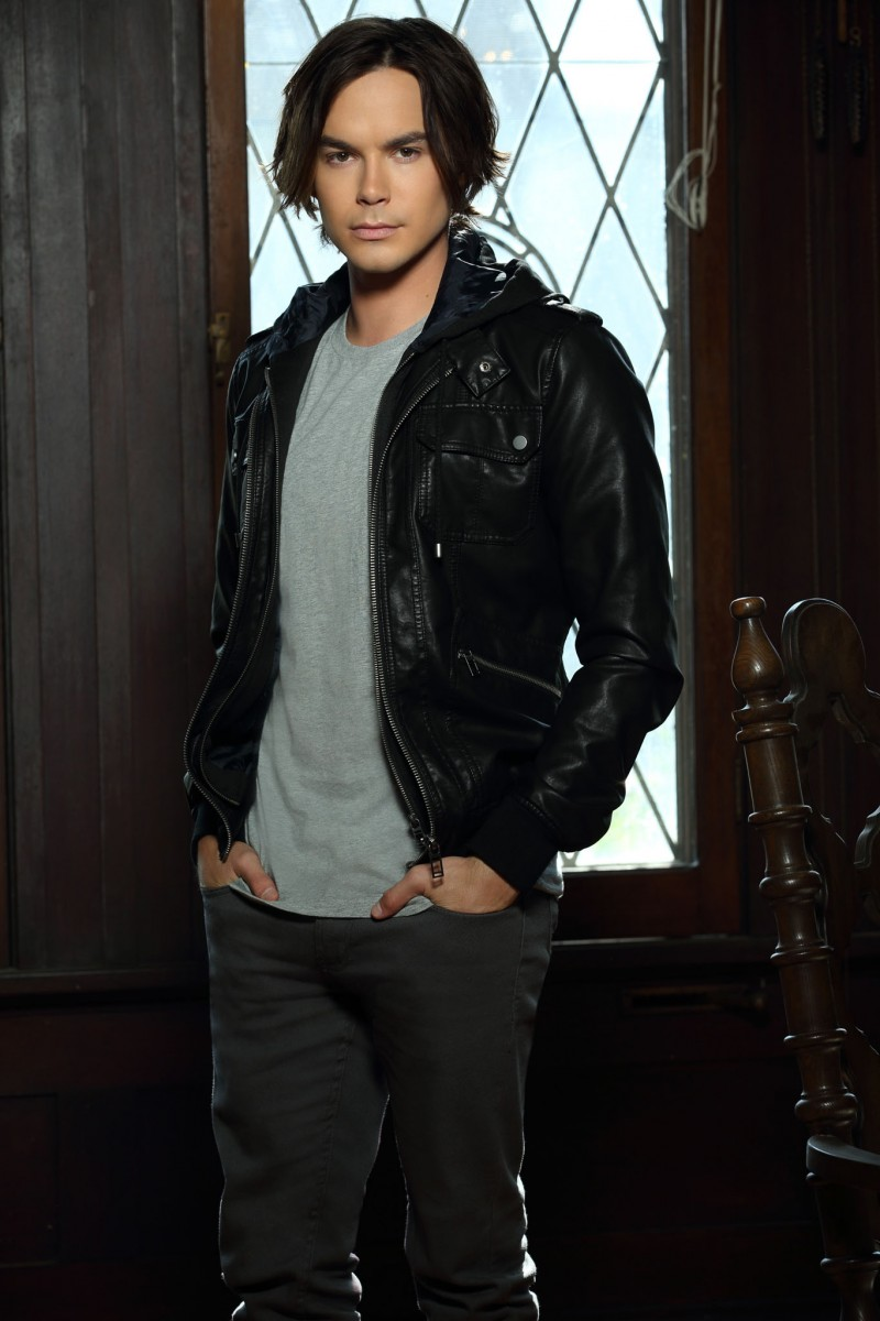 Tyler Blackburn Photo 42 Of 62 Pics, Wallpaper
