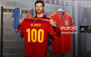 photo 13 in Xabi Alonso gallery [id504443] 2012-07-02