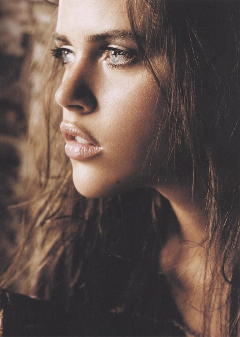 Zoe Duchesne Nude Photos 33