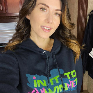 Jewel Staite instagram pic #222965